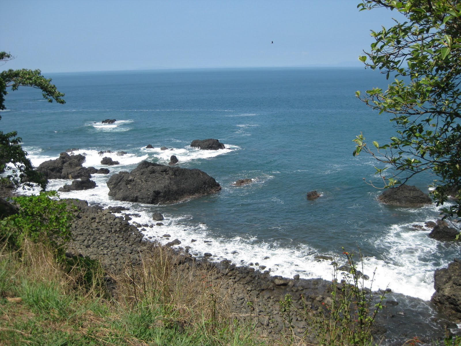Costa rica blogging the beautiful black sands of playa for Black sand beaches costa rica