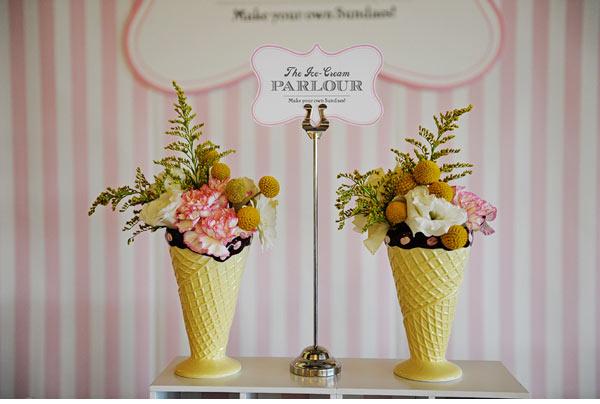 http://2.bp.blogspot.com/-UCTTZA6n_JA/TdZui7_kDWI/AAAAAAAAGvw/K1x5LWW9YrI/s640/ice-cream-parlor-wedding-table07.jpg