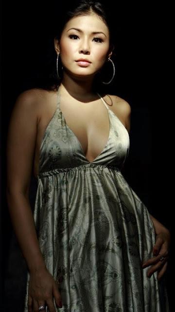 http://2.bp.blogspot.com/-UCmL0jrNHzA/T3-8eT-P1EI/AAAAAAAAAjY/2u-mOa7imEM/s1600/Aiko+Sarwosri+1.jpg