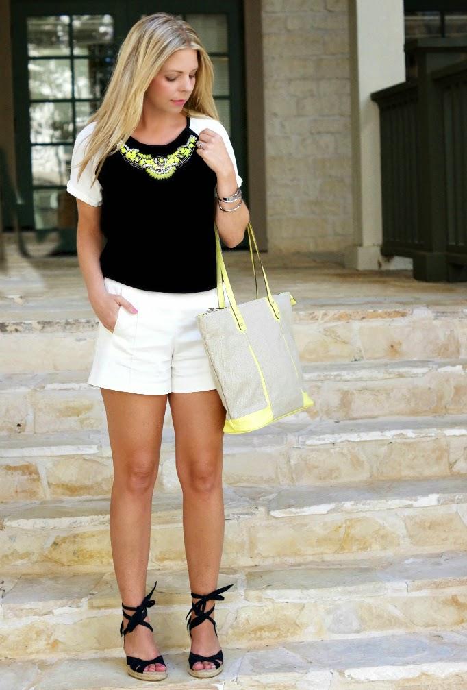 Black and White Summer Outfir Idea