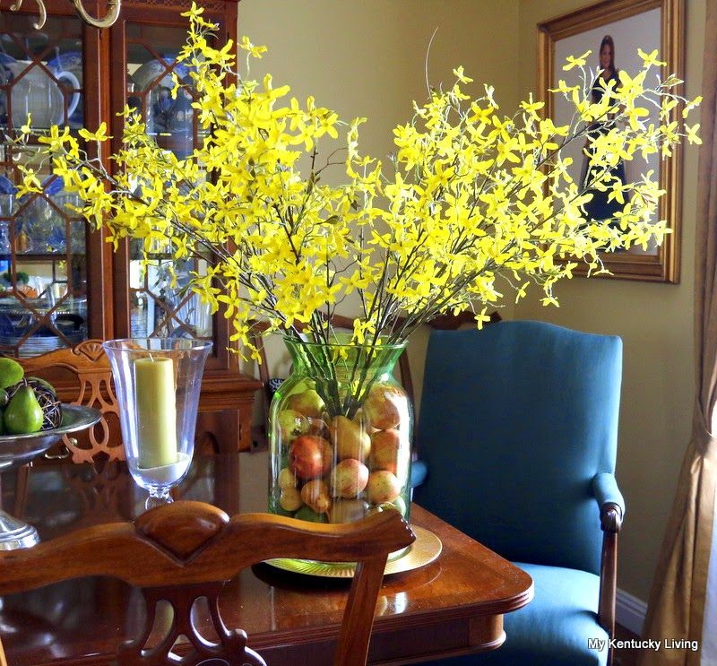 My kentucky living : inspiration for a new floral arrangement