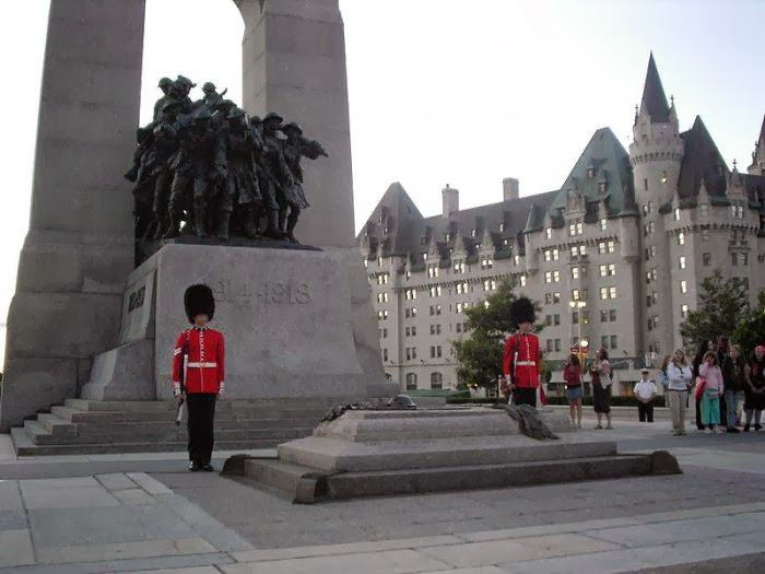 Tomb of the Unknown Soldier at the National War Memorial, Confederation Square in Ottawa, Canada