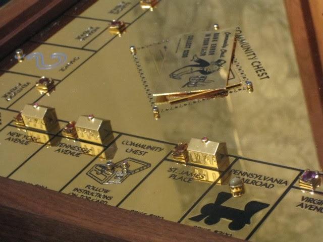 Variasi Monopoli Terbuat dari Emas