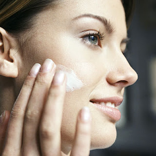 Retinol cream is activity at low than retinoid.