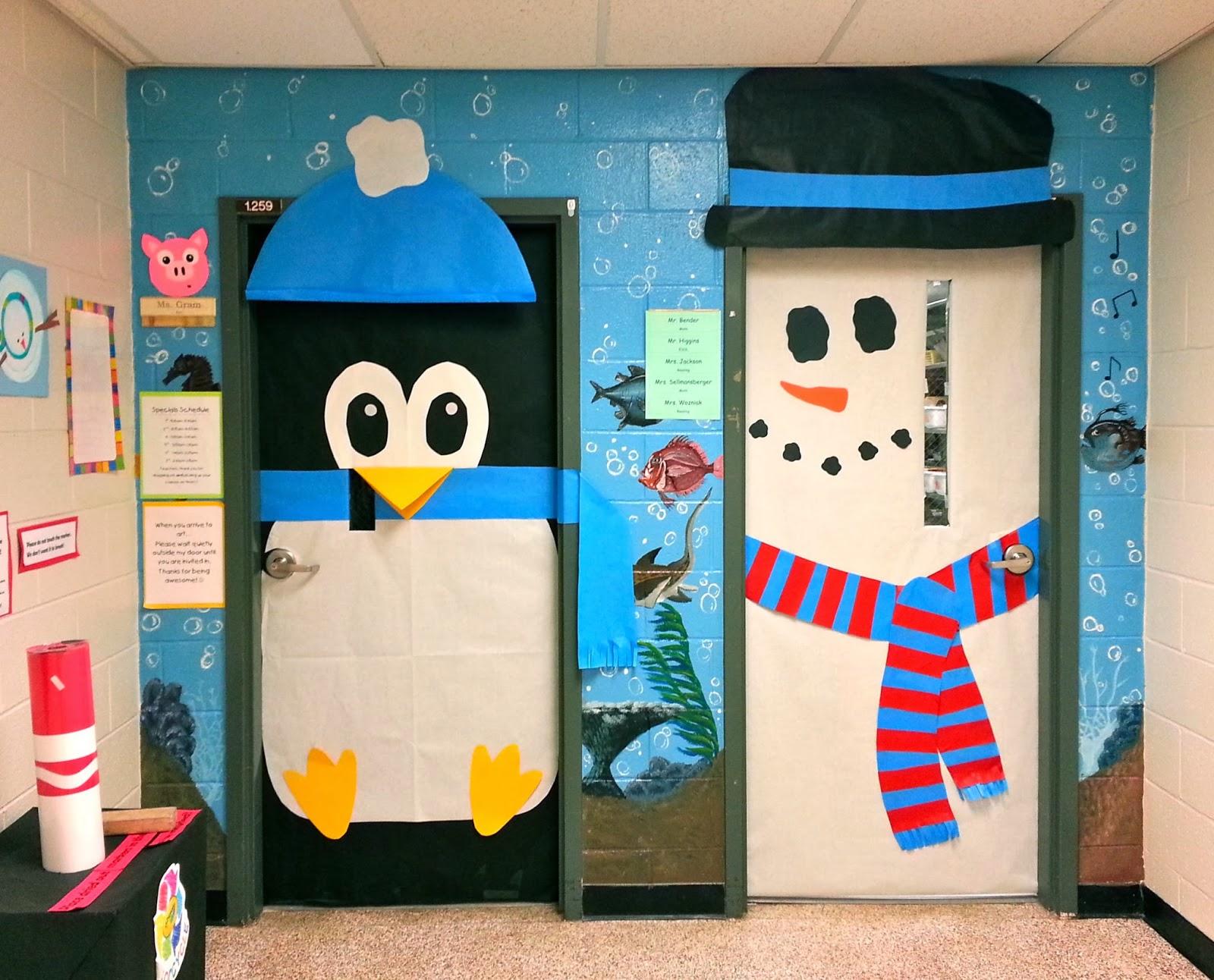 Cartoon classroom door - Holiday Decorated Classroom Doors