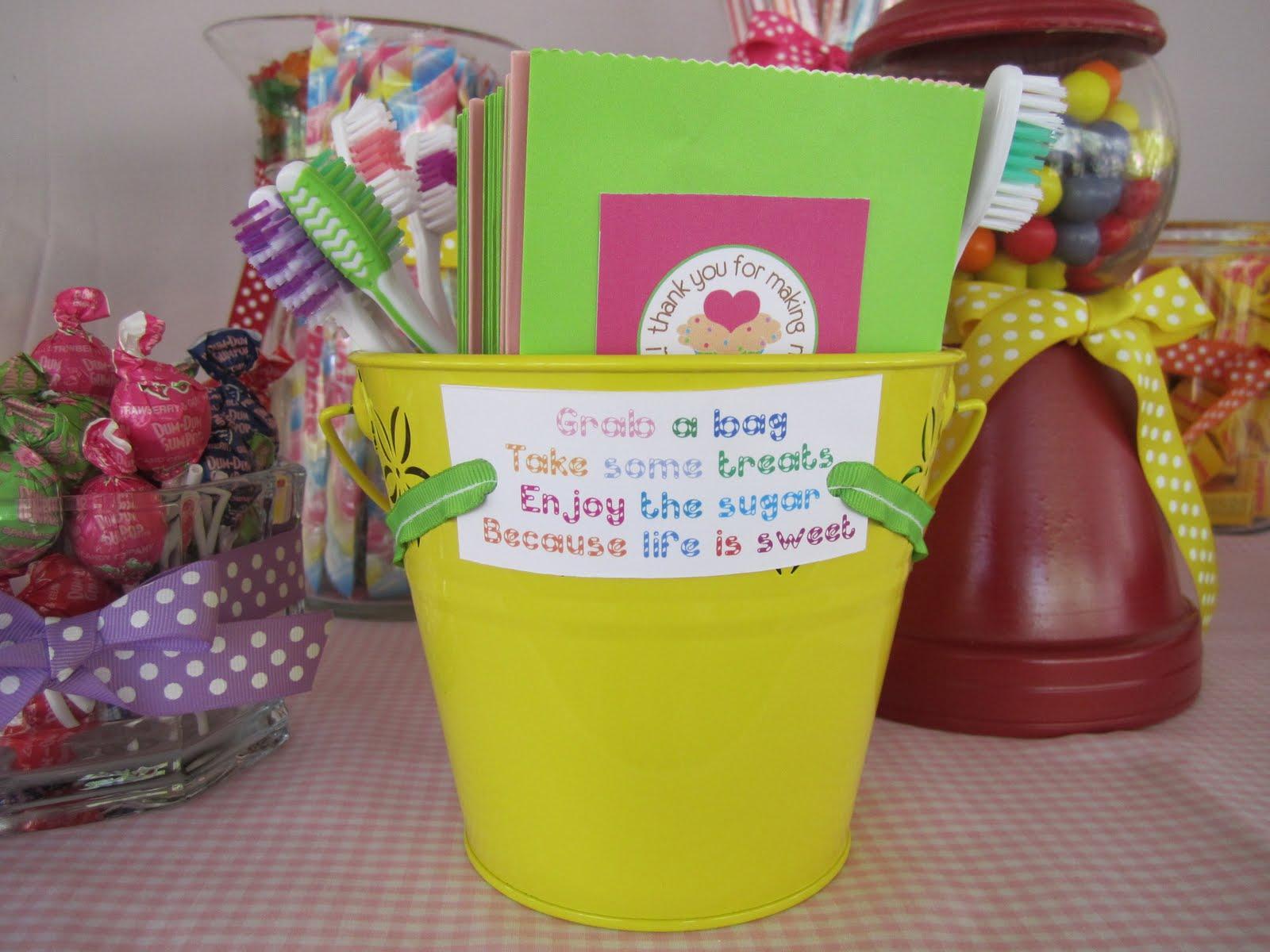 Dum Dum Sucker Candy Saying Thank You