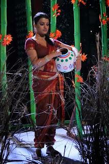 Actress-Tashu-Kaushik-Stills-in-Saree