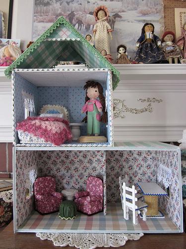 Дом для кукол своими руками из коробок
