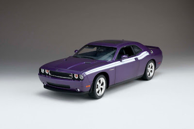 Dodge Models | Highway 61 No. 50855 2010 Dodge Challenger R/T Classic Plum Crazy with White Stripe 1/18th Scale