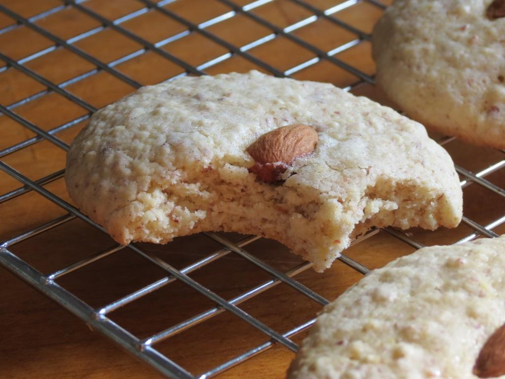 Nummy Kitchen: Iraqi Cardamom Cookies