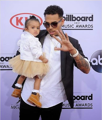 Chris Brown's and Daughter hit Red Carpet at 2015 Billboard Music Awards 64 48