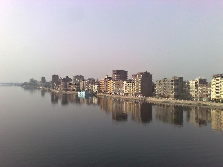 على ضفاف النيل.