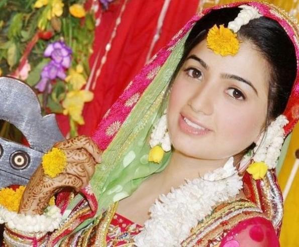 Flower Jewellery For Mehndi : Flower jewelry for mehndi