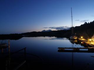 vacker kväll, vega småbåtshamn