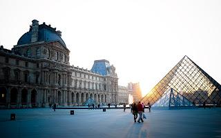 Paris Louvre Glass Pyramid Architecture Sun Lights HD Wallpaper