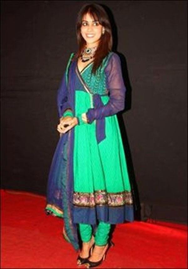 Bollywood Celebrity Dresses Facebook 20