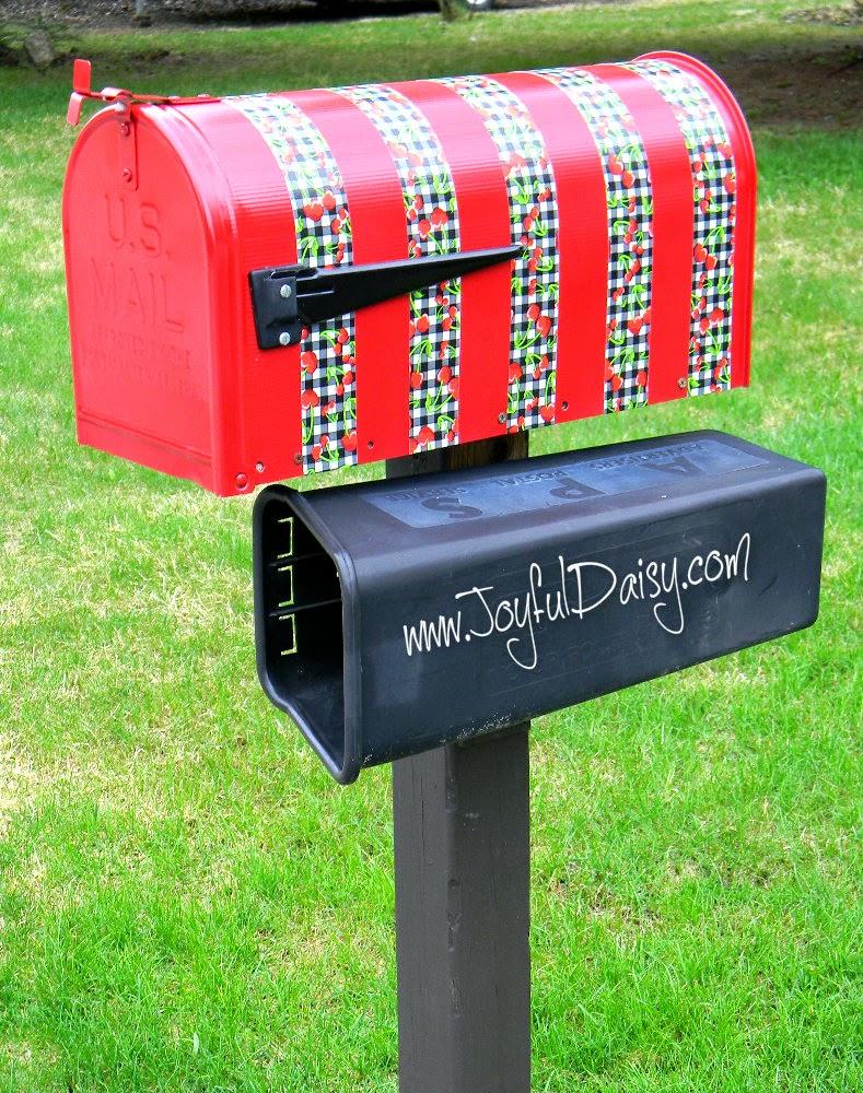 http://joyfuldaisy.com/mailbox-makeover-duck-tape/