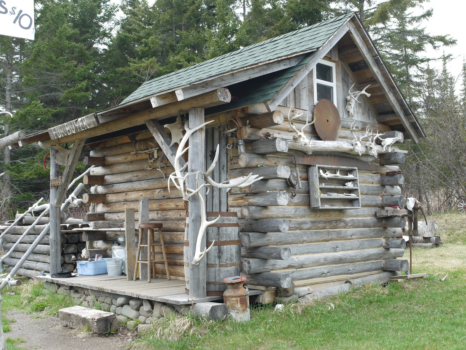 1000 images about rustic cabin on pinterest old cabins for Rustic log cabin homes