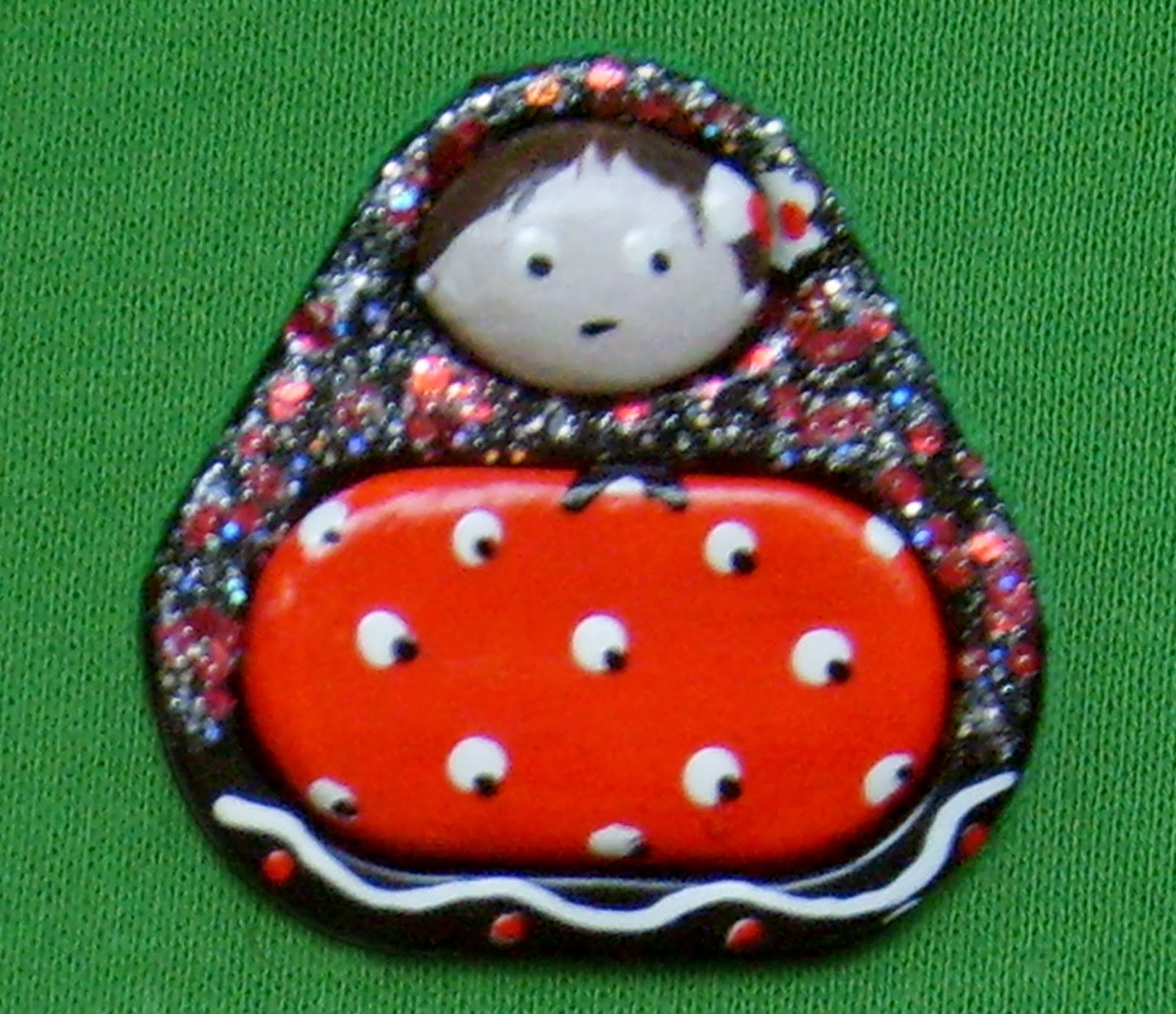 broche anillas matrioska