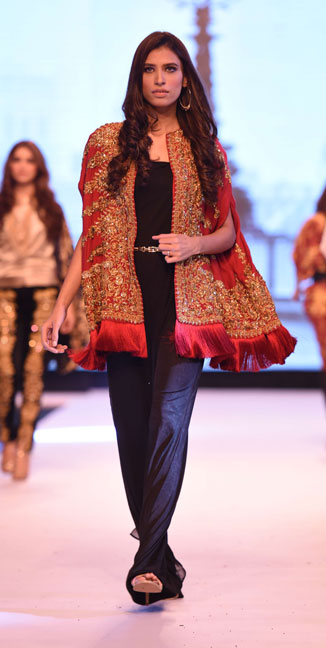 Baroque Fashion, Ayesha F Hashwani, FPWAW14, Winter fashion, Pakistan Fashion, Luxury pret, Baroque designs, Decorative motifs, Filigree, Embroidery, Opulent fashion, Rich, Fashion Pakistan, Fashion Blog, red alice rao, redalicerao