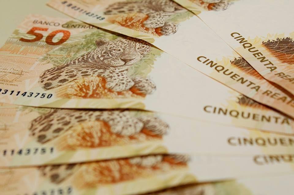 Salário mínimo será arredondado para R$ 790, disse o relator do Orçamento.