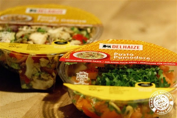 Pasta funghi genova en pasta pomodore Delhaize