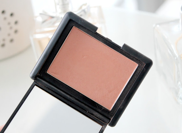 NARS Gina Blush Review, NARS Gina Blush Review and Swatches, UK Beauty Blog, Beauty Blog Review, Makeup Reviews, NARS Blusher, NARS Peach Blush