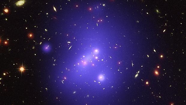 El mayor cúmulo galáctico del Universo primitivo.