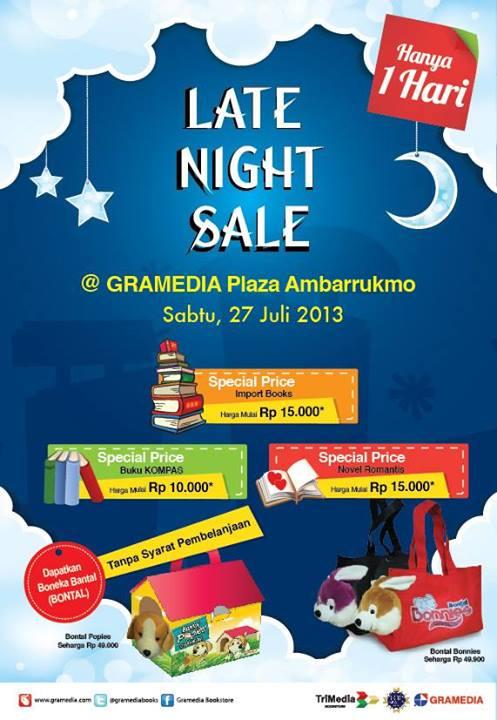 Gramedia Late Night Sale di Plaza Ambarrukmo Yogyakarta 27 Juli 2013