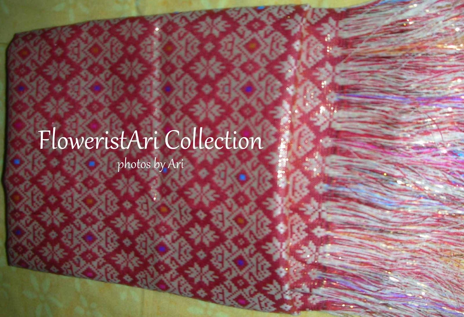 hello teman teman semua, mari melihat koleksi kain songket dari Bali ...