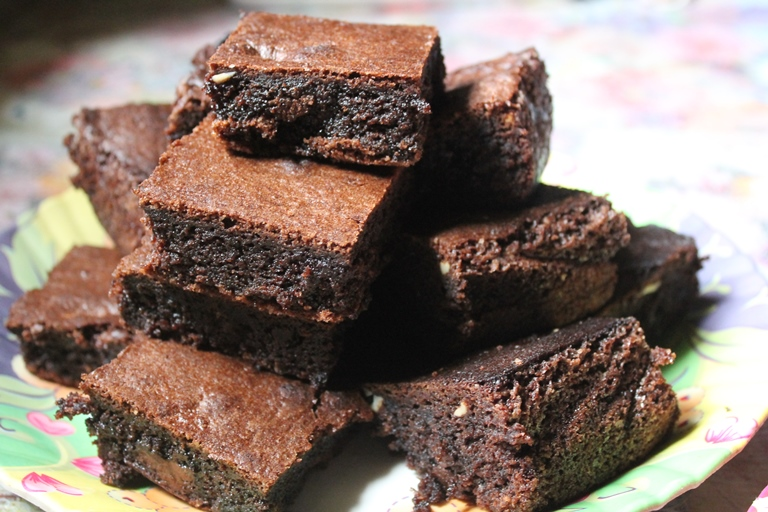 Chocolate Cashew Brownies Recipe / Cashew Brownies Recipe