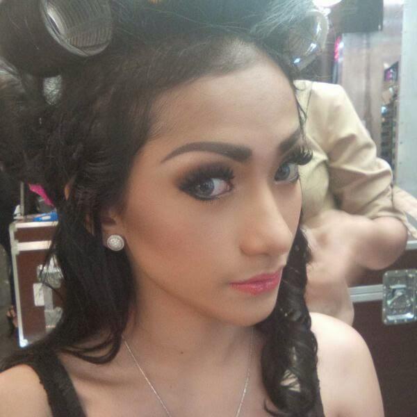 Dewi Purnama Sari Selfie Cantik Model Indonesia