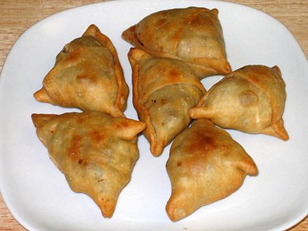 Swahili Mom Kitchen: Sambusa Za Nyama (Beef Samosa)