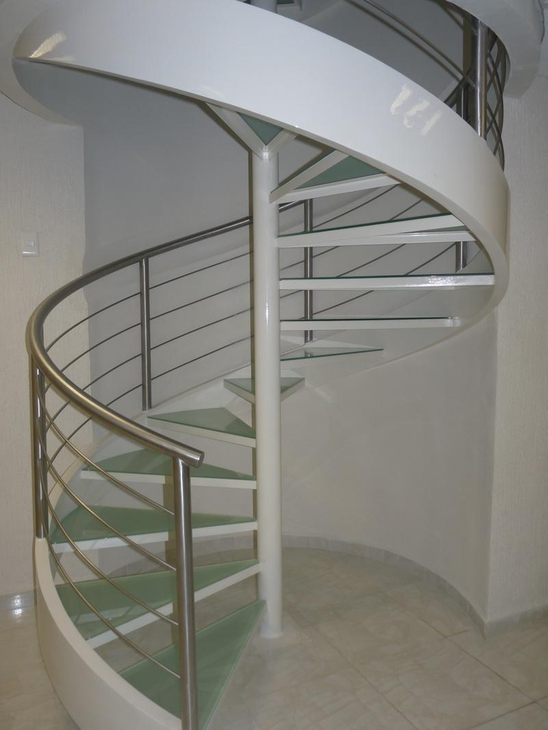 Industrial idma ingenier a y dise o maldonado escaleras for Escaleras de herreria