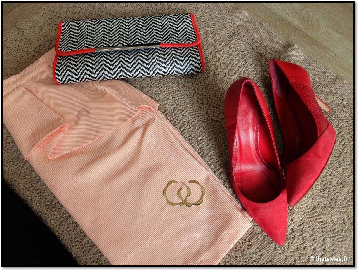 Veste en cuir Zara, top dentelle See U Soon, escarpins Ba&Sh pour André, pochette André, boucles d'oreilles Naomi Murrell