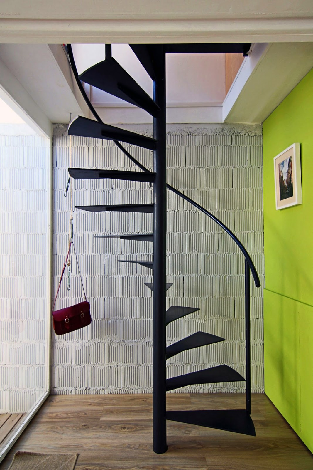 9 interesting interior stairs design ideas with low budget for Spiral stair design