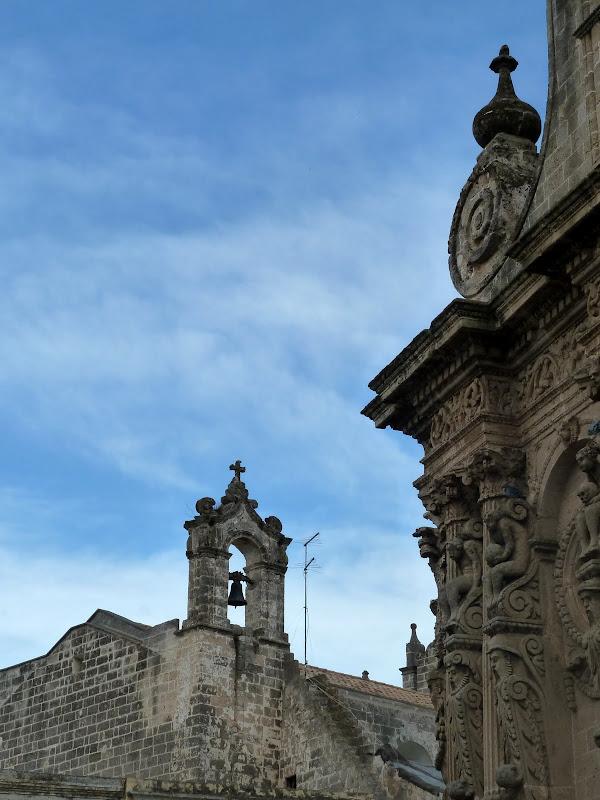 Barocke Fassade der Kirche San Domenico in Nardò (Apulien)