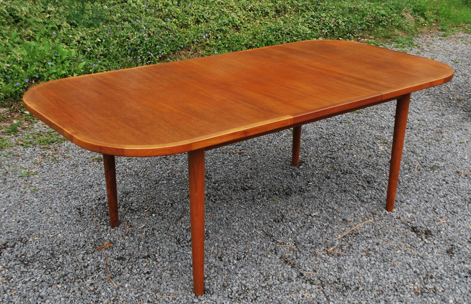 Tribute 20th Decor Vintage Teak Dining Chairs And Table