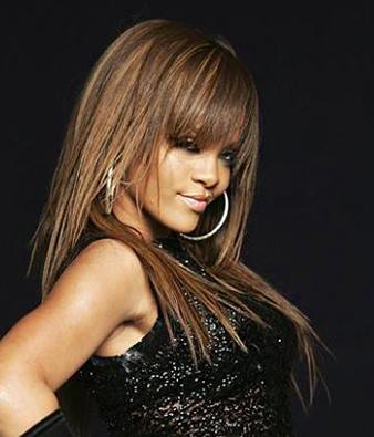 Rihanna uzun düz saç modeli