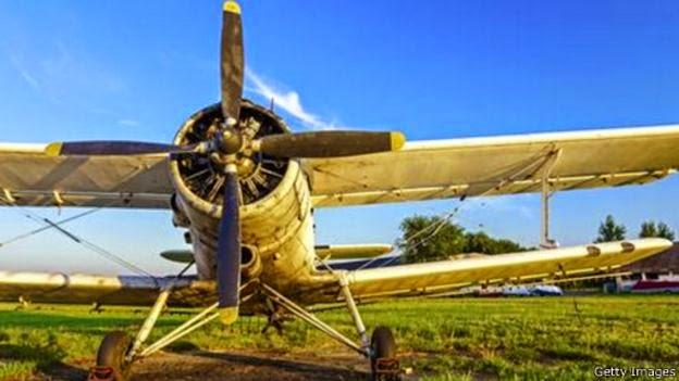 الطائرة التي تطير إلى الخلف .. قصة أغرب طائرة في العالم 150420152919_the_plane_that_can_fly_backwards_512x288_gettyimages