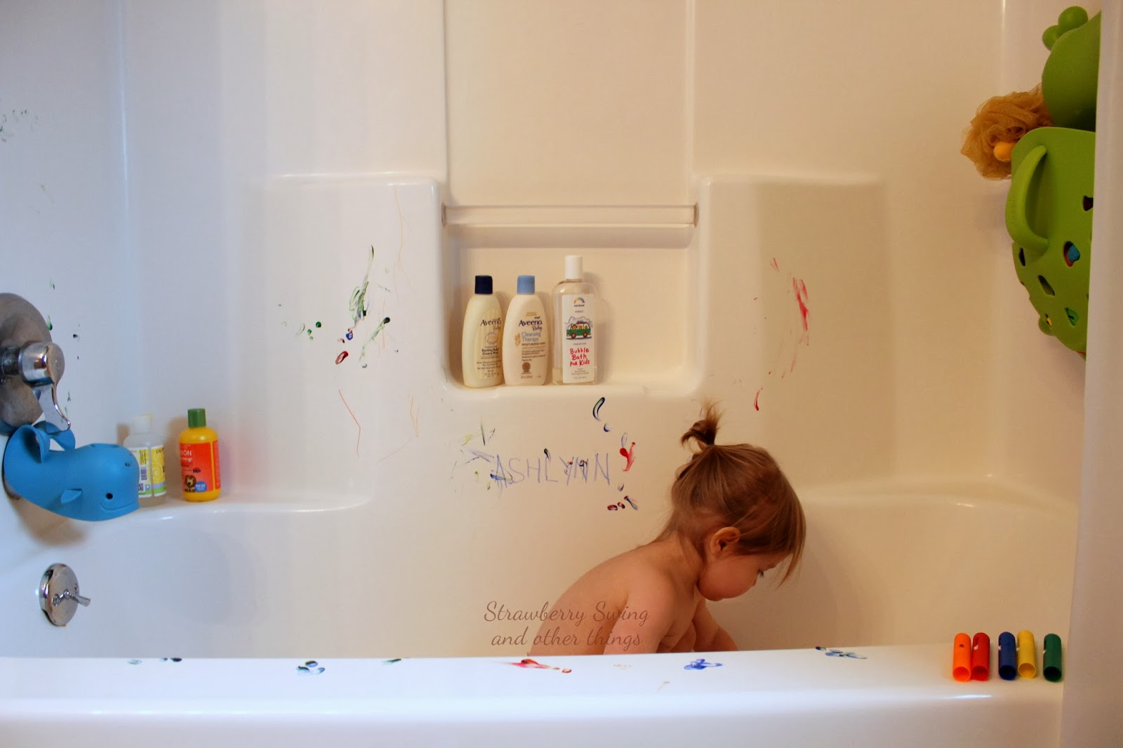 Strawberry Swing and other things: Rub a Dub Dub - Paintin\' the Tub