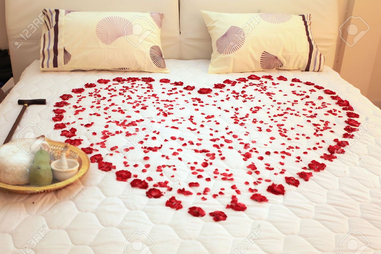 F this movie riske business bed of roses 20 years later for Love pictures in bed