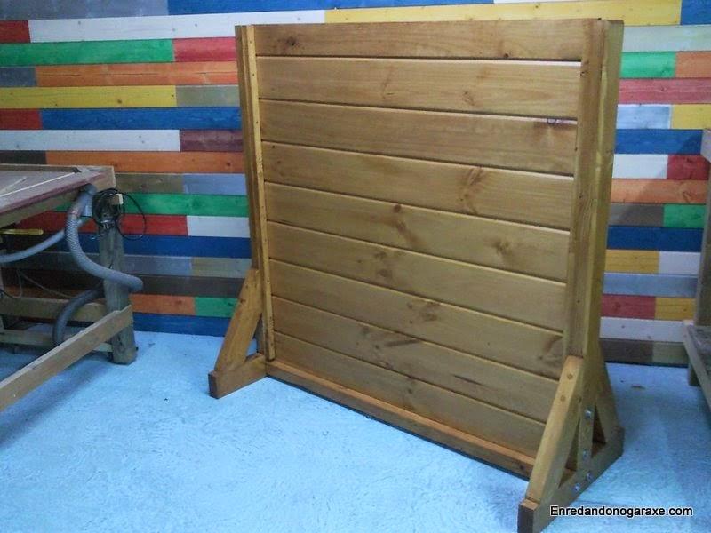 Valla de madera regulable en altura. Enredandonogaraxe.com