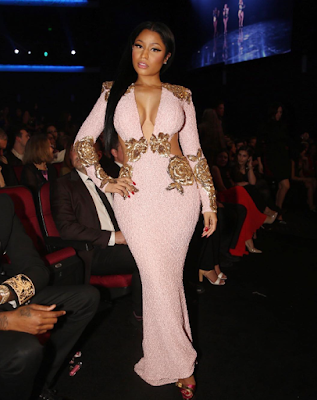 nicki minaj at American Music awards Red carpet 2015