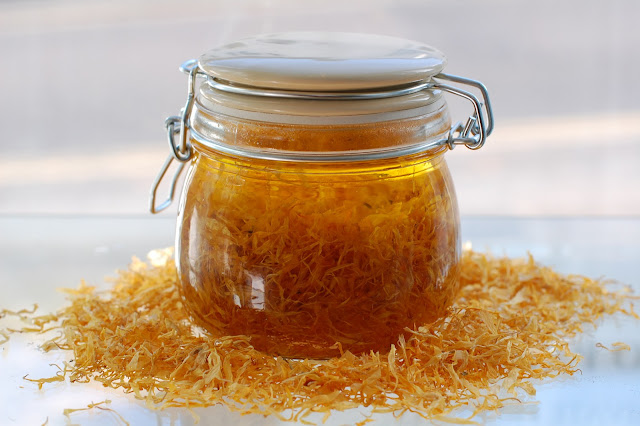 How to Make Herbal Oil Infusions and Other DIY Bath and Body Skin Care Recipes and Tutorials
