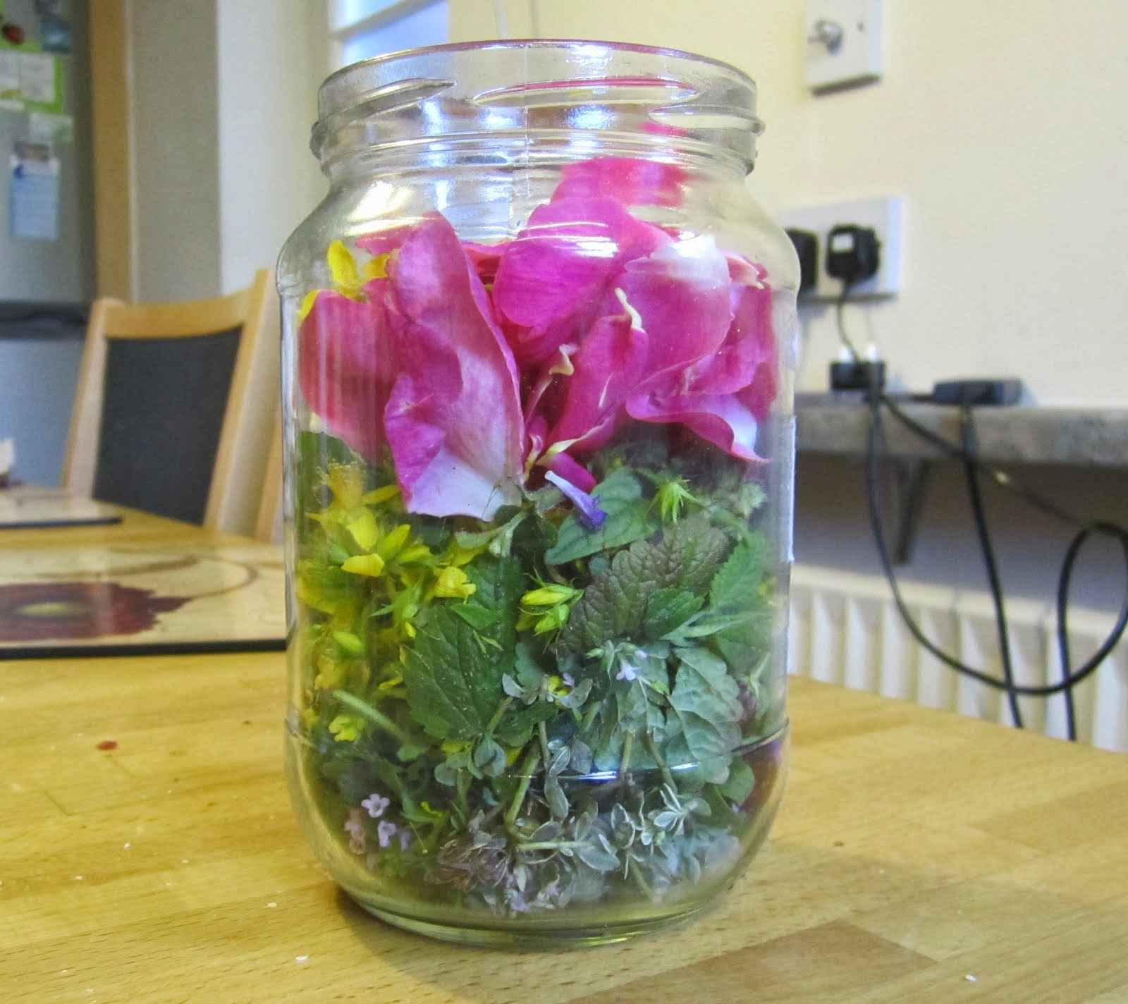 Uplifting elixir herbs