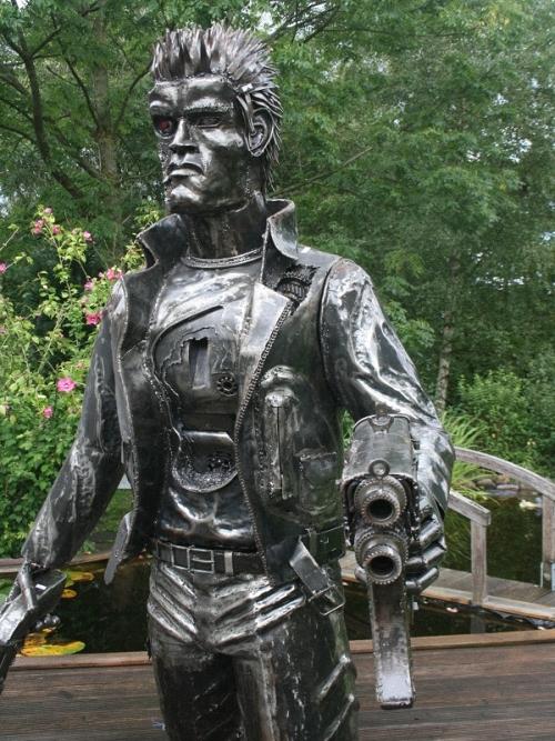 10b-The-Terminator-Arnold-Schwarzenegger-2.15m-high-Giganten-Aus-Stahl
