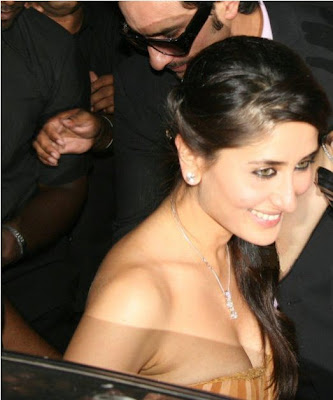 Kareena Kapoor with Saif Ali Khan in Wedding ceremony