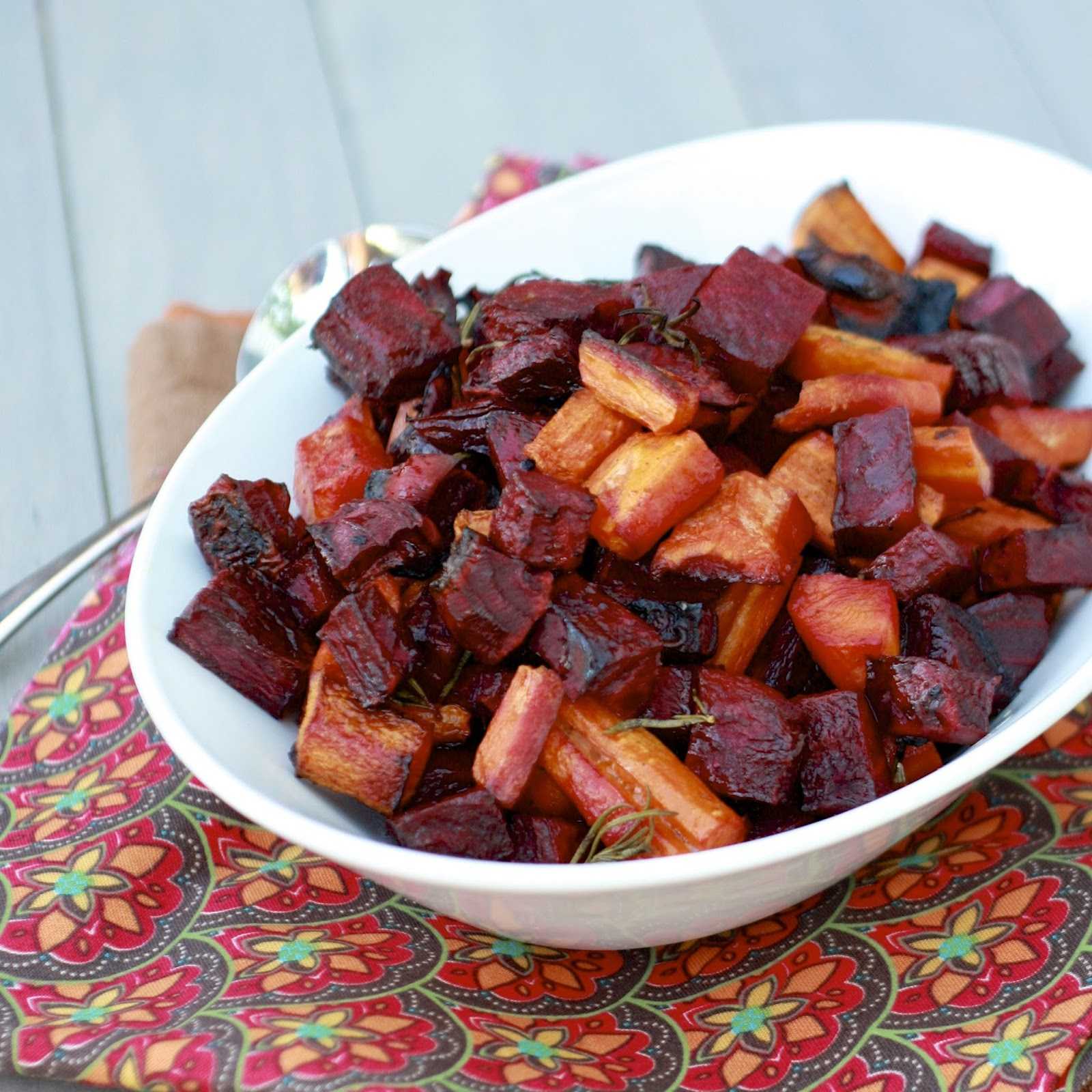 Rosemary Roasted Beets and Carrots | The Sweets Life