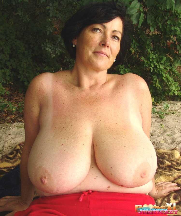 голые большые дамы фото